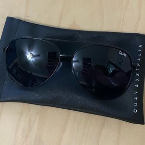 New Without Tags QUAY Vivian Oversized Aviator